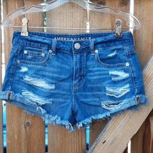 American eagle distressed tomgirl jean shorts